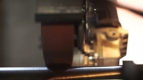 Ράβδος μετάλλων λαβών μύλων απόθεμα βίντεο