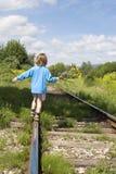 ράγες κοριτσιών litle Στοκ εικόνα με δικαίωμα ελεύθερης χρήσης