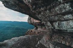 Ράφι αετών απότομων βράχων, Ρωσία Στοκ φωτογραφία με δικαίωμα ελεύθερης χρήσης