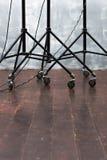 Ράφι εξοπλισμού φωτισμού στις ρόδες στοκ φωτογραφίες με δικαίωμα ελεύθερης χρήσης