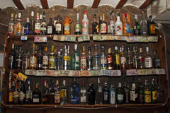 Ράφι με τα ποτά Στοκ Φωτογραφίες
