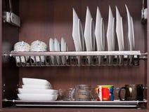 ράφι πιάτων στοκ φωτογραφία με δικαίωμα ελεύθερης χρήσης