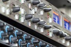 Ράφι στούντιο μουσικής Στοκ εικόνες με δικαίωμα ελεύθερης χρήσης