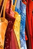 ράφι φορεμάτων ραπτικών Στοκ Εικόνες
