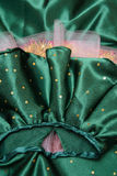 Ράψιμο και διακόσμηση των φορεμάτων Στοκ Φωτογραφία