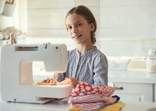 Ράψιμο παιδιών Στοκ εικόνες με δικαίωμα ελεύθερης χρήσης