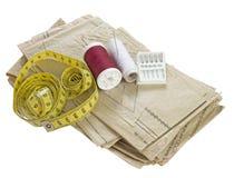 Ράψιμο, dressmaking υλικά Σχέδιο, νήμα, μέτρο ταινιών κ.λπ. Στοκ Εικόνα