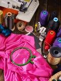 Ράψτε seamstress το ράβοντας ράβοντας πόδι αντικειμένου ομάδας στοκ φωτογραφία με δικαίωμα ελεύθερης χρήσης