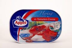 ΡΈΓΓΕΣ APPEL στη σάλτσα Tomatoe Στοκ Φωτογραφία