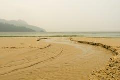 ρέοντας θάλασσα ποταμών Στοκ φωτογραφία με δικαίωμα ελεύθερης χρήσης