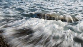 Ρέοντας κύματα θάλασσας Στοκ Εικόνες
