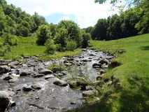 ρέοντας ποταμός Στοκ φωτογραφία με δικαίωμα ελεύθερης χρήσης