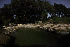 Ρέοντας φωτογραφία νύχτας νερού βράχου ασβεστόλιθων κολπίσκου του Bull στοκ φωτογραφία με δικαίωμα ελεύθερης χρήσης