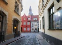 Ρήγα, Λετονία, στις 20 Απριλίου 2019 - παλαιό κέντρο πόλεων της Ρήγας, οδοί της Ρήγας στοκ φωτογραφίες με δικαίωμα ελεύθερης χρήσης