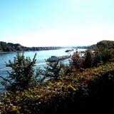 Ρήνος με μερικά σκάφη Στοκ Εικόνες