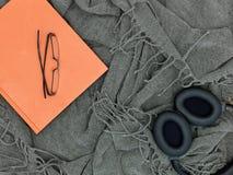 Ρίξτε την κουβέρτα Στοκ εικόνες με δικαίωμα ελεύθερης χρήσης