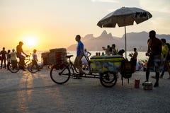 Ρίο ντε Τζανέιρο Βραζιλία Arpoador σκηνής ηλιοβασιλέματος Στοκ φωτογραφία με δικαίωμα ελεύθερης χρήσης