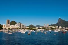 Ρίο ντε Τζανέιρο με το βουνό και Χριστό Corcovado ο απελευθερωτής στοκ φωτογραφία με δικαίωμα ελεύθερης χρήσης