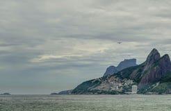 Ρίο de janeiro, θάλασσα Ipanema και βουνό Στοκ Εικόνα