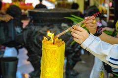 Ραβδιά θυμιάματος κεριών στοκ φωτογραφίες
