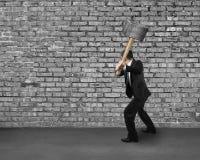 Ραγίζοντας παλαιός τοίχος τούβλων στοκ φωτογραφία με δικαίωμα ελεύθερης χρήσης