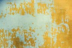 Ραγισμένη μπλε ζωγραφική στην παλαιά επιφάνεια τοίχων ασβεστοκονιάματος Στοκ φωτογραφία με δικαίωμα ελεύθερης χρήσης