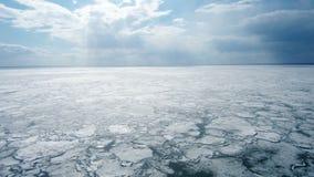 Ραγισμένος πάγος από την άποψη κηφήνων απόθεμα βίντεο