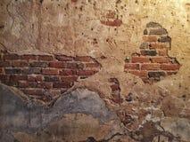 ραγισμένος τούβλο τοίχο&si Στοκ φωτογραφία με δικαίωμα ελεύθερης χρήσης