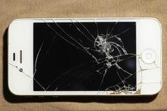 Ραγισμένο κινητό τηλέφωνο οθόνης στοκ εικόνες