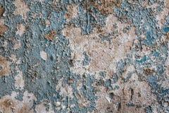 ραγισμένο ξεφλουδίζοντας χρώμα σε έναν παλαιό τοίχο Στοκ εικόνα με δικαίωμα ελεύθερης χρήσης