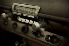 Ραδιόφωνο του παλαιού εκλεκτής ποιότητας αυτοκινήτου 2 μυών Στοκ Εικόνες