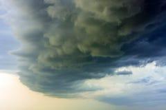 δραματική θύελλα σύννεφω&n Στοκ Φωτογραφίες
