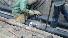 Ραφή συγκόλλησης των νέων υδροσωλήνων απόθεμα βίντεο