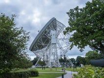 Ραδιο τηλεσκόπιο τράπεζας Jodrell στην αγροτική επαρχία Τσέσαϊρ Αγγλία Στοκ εικόνα με δικαίωμα ελεύθερης χρήσης