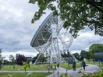 Ραδιο τηλεσκόπιο τράπεζας Jodrell στην αγροτική επαρχία Τσέσαϊρ Αγγλία Στοκ Φωτογραφίες