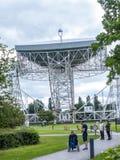 Ραδιο τηλεσκόπιο τράπεζας Jodrell στην αγροτική επαρχία Τσέσαϊρ Αγγλία Στοκ Εικόνες