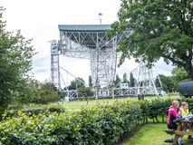 Ραδιο τηλεσκόπιο τράπεζας Jodrell στην αγροτική επαρχία Τσέσαϊρ Αγγλία Στοκ Εικόνα