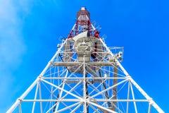 ραδιόφωνο πύργων επικοιν&ome Στοκ φωτογραφία με δικαίωμα ελεύθερης χρήσης