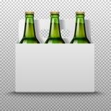 Ρεαλιστικά λεπτομερή πράσινα μπουκάλια μπύρας γυαλιού με το ποτό στην άσπρη συσκευασία σε ένα trasparent υπόβαθρο διάνυσμα Στοκ Φωτογραφίες