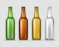 Ρεαλιστικά πράσινα, καφετιά, κίτρινα και άσπρα κενά μπουκάλια μπύρας γυαλιού σε ένα διαφανές υπόβαθρο διάνυσμα Στοκ Φωτογραφία