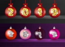 Ρεαλιστικές τρισδιάστατες διανυσματικές σφαίρες Χριστουγέννων με χρυσούς 2019 αριθμούς απεικόνιση αποθεμάτων