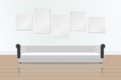 Ρεαλιστικός άσπρος μακρύς μαλακός καναπές με την αντανάκλαση στο πάτωμα Καναπές και εικόνες πολυτέλειας στον τοίχο σύγχρονο δωμάτ απεικόνιση αποθεμάτων