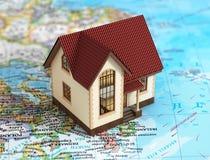 Ρεαλιστικό εξοχικό σπίτι στον παγκόσμιο χάρτη Στοκ εικόνα με δικαίωμα ελεύθερης χρήσης
