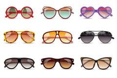 Ρεαλιστικό σύνολο γυαλιών ηλίου ελεύθερη απεικόνιση δικαιώματος