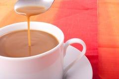 ρεύμα καφέ Στοκ φωτογραφία με δικαίωμα ελεύθερης χρήσης
