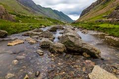 Ρεύμα στο πέρασμα Llanberis, σε Snowdonia από Llanberis, πέρα από το μάνδρα-Υ-πέρασμα Στοκ εικόνες με δικαίωμα ελεύθερης χρήσης