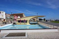 Ριγωτά χρωματισμένα σπίτια, Nova πλευρών, $μπέιρα Litoral, Πορτογαλία, ΕΥΡ Στοκ Φωτογραφίες