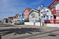 Ριγωτά χρωματισμένα σπίτια, Nova πλευρών, $μπέιρα Litoral, Πορτογαλία, ΕΥΡ Στοκ εικόνες με δικαίωμα ελεύθερης χρήσης