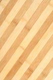 ριγωτός ξύλινος πιάτων Στοκ εικόνες με δικαίωμα ελεύθερης χρήσης