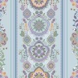 Ριγωτό floral σχέδιο Στοκ εικόνες με δικαίωμα ελεύθερης χρήσης